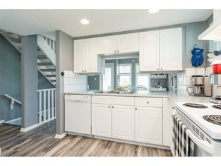 "Photo 10: 2 9036 208 Street in Langley: Walnut Grove Townhouse for sale in ""Hunter's Glen"" : MLS®# R2289925"
