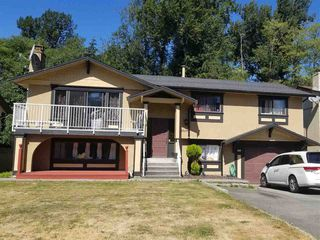 Photo 1: 8909 URSUS Crescent in Surrey: Bear Creek Green Timbers House for sale : MLS®# R2295804