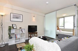 "Photo 2: 308 2689 KINGSWAY in Vancouver: Collingwood VE Condo for sale in ""Skyway Towers"" (Vancouver East)  : MLS®# R2298880"