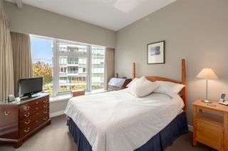 "Photo 14: 301 151 ATHLETES Way in Vancouver: False Creek Condo for sale in ""Canada House on the Water"" (Vancouver West)  : MLS®# R2301154"