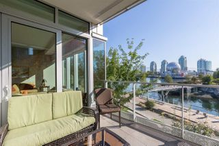 "Photo 4: 301 151 ATHLETES Way in Vancouver: False Creek Condo for sale in ""Canada House on the Water"" (Vancouver West)  : MLS®# R2301154"