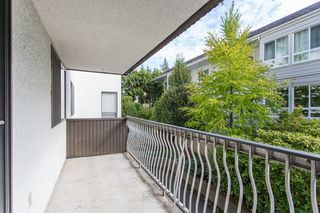 """Photo 18: 101 1330 MARTIN Street: White Rock Condo for sale in """"Coach House"""" (South Surrey White Rock)  : MLS®# R2307057"""