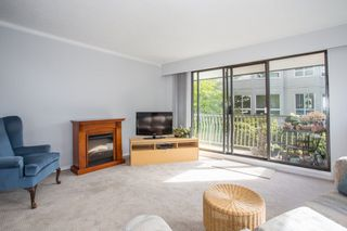 """Photo 6: 101 1330 MARTIN Street: White Rock Condo for sale in """"Coach House"""" (South Surrey White Rock)  : MLS®# R2307057"""