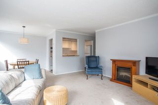 """Photo 9: 101 1330 MARTIN Street: White Rock Condo for sale in """"Coach House"""" (South Surrey White Rock)  : MLS®# R2307057"""