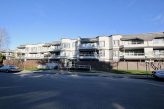 """Main Photo: 301 1840 E SOUTHMERE Crescent in Surrey: Sunnyside Park Surrey Condo for sale in """"SOUTHMERE MEWS WEST"""" (South Surrey White Rock)  : MLS®# R2333887"""