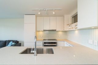 Photo 13: 1507 668 COLUMBIA Street in New Westminster: Quay Condo for sale : MLS®# R2340823