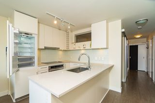 Photo 14: 1507 668 COLUMBIA Street in New Westminster: Quay Condo for sale : MLS®# R2340823