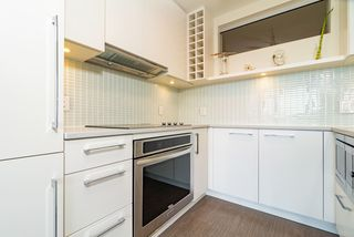 Photo 12: 1507 668 COLUMBIA Street in New Westminster: Quay Condo for sale : MLS®# R2340823