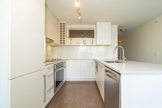 Photo 11: 1507 668 COLUMBIA Street in New Westminster: Quay Condo for sale : MLS®# R2340823