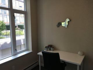 "Photo 5: 366 108 W 1ST Avenue in Vancouver: False Creek Condo for sale in ""WALL CENTRE - FALSE CREEK"" (Vancouver West)  : MLS®# R2351894"