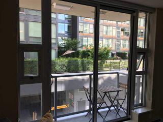 "Photo 8: 366 108 W 1ST Avenue in Vancouver: False Creek Condo for sale in ""WALL CENTRE - FALSE CREEK"" (Vancouver West)  : MLS®# R2351894"