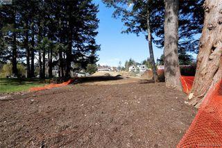 Photo 13: 999 Springhill Road in VICTORIA: La Glen Lake Land for sale (Langford)  : MLS®# 407423