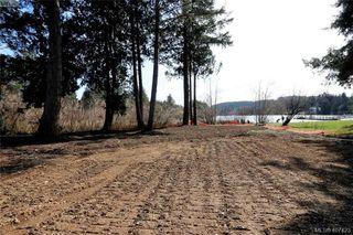 Photo 2: 999 Springhill Road in VICTORIA: La Glen Lake Land for sale (Langford)  : MLS®# 407423