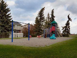 Photo 6: 216 CEDARGROVE Court SW in Calgary: Cedarbrae Detached for sale : MLS®# C4243649