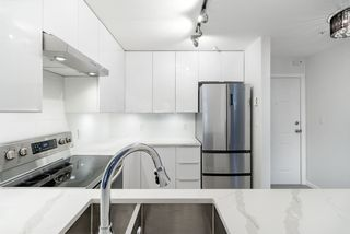 """Photo 2: 302 2405 KAMLOOPS Street in Vancouver: Renfrew VE Condo for sale in """"8th Ave Garden Apartments"""" (Vancouver East)  : MLS®# R2371922"""