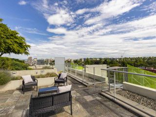 Photo 2: 708 2528 MAPLE Street in Vancouver: Kitsilano Condo for sale (Vancouver West)  : MLS®# R2373585