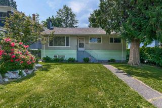 Photo 1: 361 W 19TH Street in North Vancouver: Central Lonsdale House for sale : MLS®# R2375584