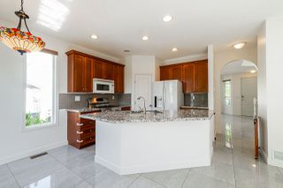 """Photo 4: 14812 58TH Avenue in Surrey: Sullivan Station House for sale in """"Panorama Village"""" : MLS®# R2381126"""