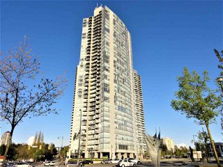 "Photo 2: 1802 13618 100 Avenue in Surrey: Whalley Condo for sale in ""INFINITY"" (North Surrey)  : MLS®# R2381748"