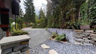 "Photo 16: 40169 KINTYRE Drive in Squamish: Garibaldi Highlands House for sale in ""Garibaldi Highlands"" : MLS®# R2404374"
