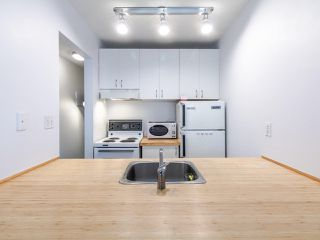 """Photo 7: 314 436 SEVENTH Street in New Westminster: Uptown NW Condo for sale in """"Regency court"""" : MLS®# R2404787"""