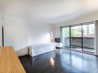 """Photo 10: 314 436 SEVENTH Street in New Westminster: Uptown NW Condo for sale in """"Regency court"""" : MLS®# R2404787"""