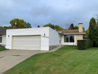 Photo 1: 15028 117A Street in Edmonton: Zone 27 House for sale : MLS®# E4174023