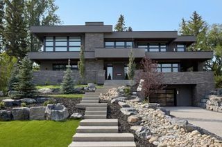 Main Photo: 1015 SYDENHAM Road SW in Calgary: Upper Mount Royal Detached for sale : MLS®# C4274630
