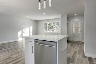 Photo 4: 12412 136 Avenue in Edmonton: Zone 01 House for sale : MLS®# E4198249