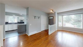 Photo 3: 256 DEERSAXON Circle SE in Calgary: Deer Run Detached for sale : MLS®# C4305352