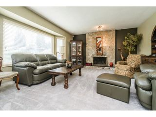 Photo 3: 8843 204A Street in Langley: Walnut Grove House for sale : MLS®# R2481339