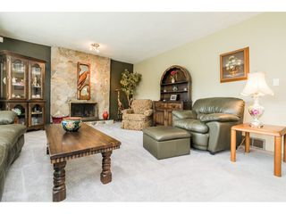 Photo 4: 8843 204A Street in Langley: Walnut Grove House for sale : MLS®# R2481339