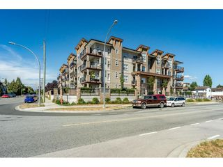 "Photo 24: 414 20175 53 Avenue in Langley: Langley City Condo for sale in ""THE BENJAMIN"" : MLS®# R2489053"