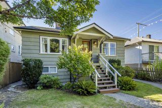 Photo 2: 238 E 28TH Avenue in Vancouver: Main House for sale (Vancouver East)  : MLS®# R2497227