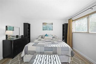 Photo 19: 4225 BIRCHWOOD Crescent in Burnaby: Greentree Village Townhouse for sale (Burnaby South)  : MLS®# R2501600