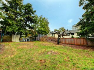 Photo 9: 2421 Chambers St in : Vi Fernwood House for sale (Victoria)  : MLS®# 856900