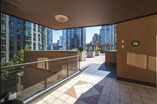 "Photo 7: 215 1189 HOWE Street in Vancouver: Downtown VW Condo for sale in ""GENESIS"" (Vancouver West)  : MLS®# R2519068"