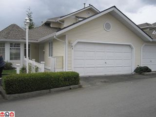 """Photo 1: 44 8737 212TH Street in Langley: Walnut Grove Townhouse for sale in """"CHARTWELL GREEN"""" : MLS®# F1110715"""