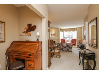 """Photo 4: 205 1551 FOSTER Street: White Rock Condo for sale in """"Sussex House"""" (South Surrey White Rock)  : MLS®# F1407910"""