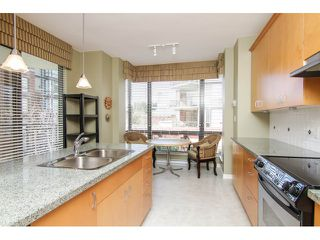 """Photo 10: 205 1551 FOSTER Street: White Rock Condo for sale in """"Sussex House"""" (South Surrey White Rock)  : MLS®# F1407910"""