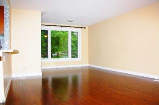 Photo 3: Main Fl 261 S Taylor Mills Drive in Richmond Hill: Crosby House (Bungalow) for lease : MLS®# N2919504