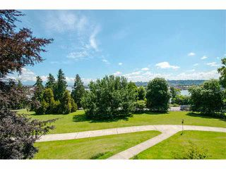"Photo 11: 301 14 E ROYAL Avenue in New Westminster: Fraserview NW Condo for sale in ""VICTORIA HILL"" : MLS®# V1106589"