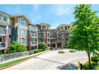 "Photo 2: 301 14 E ROYAL Avenue in New Westminster: Fraserview NW Condo for sale in ""VICTORIA HILL"" : MLS®# V1106589"