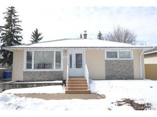 Photo 1: 3307 AVONHURST Drive in Regina: Coronation Park Single Family Dwelling for sale (Regina Area 03)  : MLS®# 528624