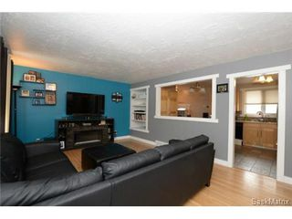 Photo 9: 3307 AVONHURST Drive in Regina: Coronation Park Single Family Dwelling for sale (Regina Area 03)  : MLS®# 528624