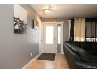 Photo 8: 3307 AVONHURST Drive in Regina: Coronation Park Single Family Dwelling for sale (Regina Area 03)  : MLS®# 528624