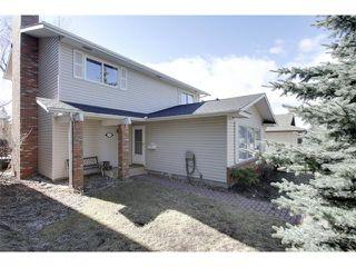 Photo 1: 115 DEERCROFT Place SE in Calgary: Deer Run House for sale : MLS®# C4004185