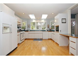 Photo 9: 7990 165A Street in Surrey: Fleetwood Tynehead House for sale : MLS®# F1437223