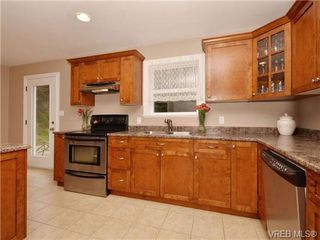 Photo 6: 7296 Francis Rd in SOOKE: Sk Whiffin Spit Single Family Detached for sale (Sooke)  : MLS®# 698328