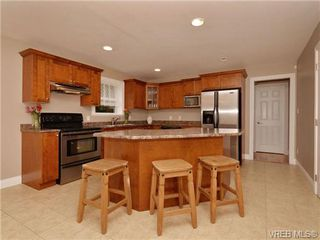 Photo 5: 7296 Francis Rd in SOOKE: Sk Whiffin Spit Single Family Detached for sale (Sooke)  : MLS®# 698328